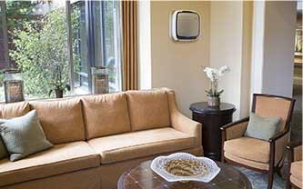 AeraMax Professional w miejscach spotkań w domach opieki dla seniorów