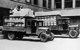 Uno dei primi furgoni per le consegne di Fellowes Brands