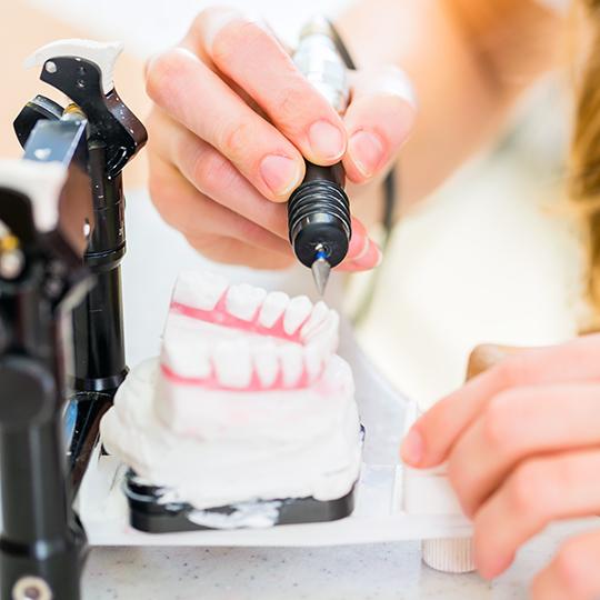 Branże – Stomatologia – Akryl i cement dentystyczny